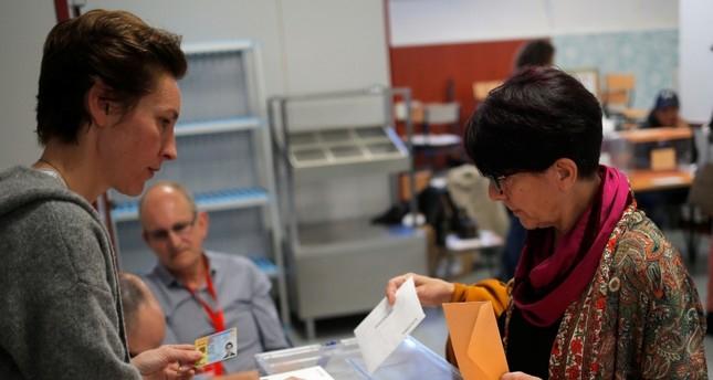 Spain heads to polls amid far-right resurgence