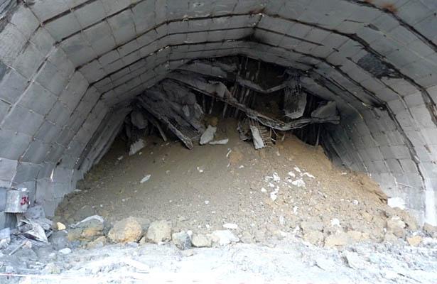 Hindistanda tunel çöküb, azı 10 nəfər ölüb