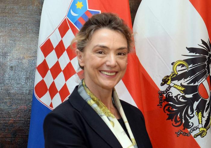 La Vice-Premier ministre croatearrive en Azerbaïdjan