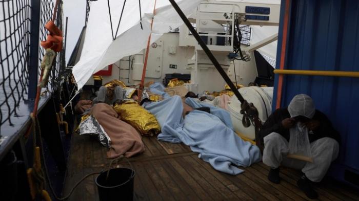 Vier Länder nehmen Migranten vom Rettungsschiff auf