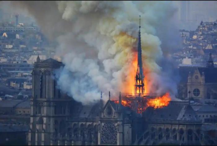 Notre-Dame:  les premières images de l'intérieur après l'incendie