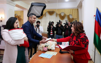 Birth certificate presented to parents of Azerbaijan's 10 millionth citizen