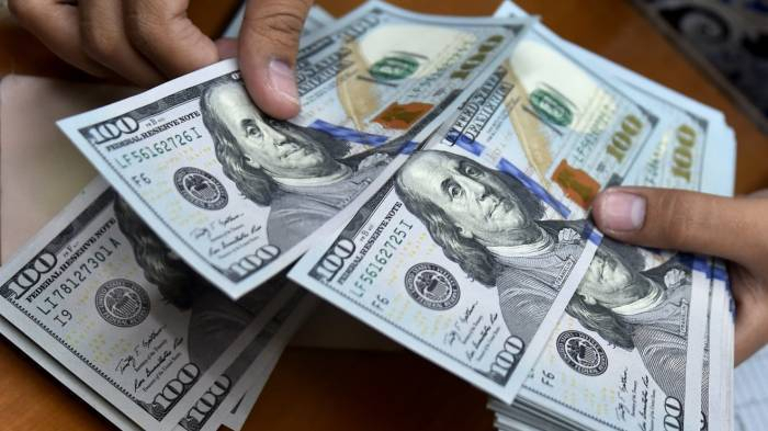 Neft Fondu 3 ayda 1,9 milyard dollar satıb