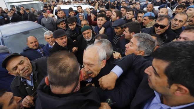 Turkish opposition leader attacked at soldier's funeral
