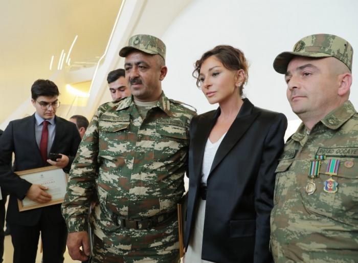 """Mehriban Əliyeva: """"Qarabağın hər kəndində Azərbaycan bayrağı dalğalanacaq"""""""