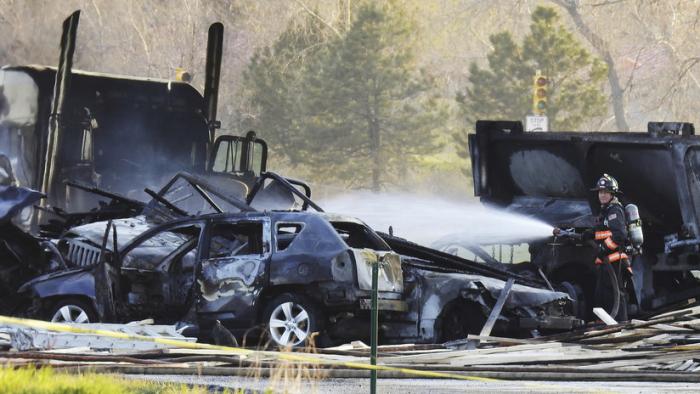 Una violenta colisión múltiple entre 28 vehículos deja varios muertos y heridos graves en EE.UU.