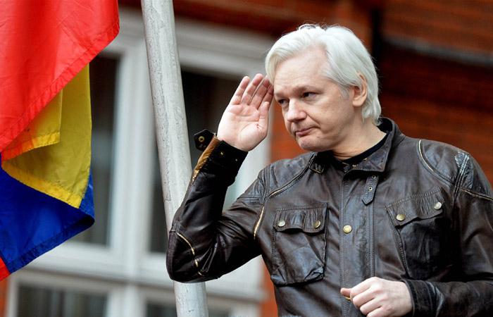 """""""Wikileaks""""in rəhbəri həbs olundu - VİDEO"""