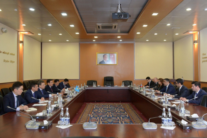 Azerbaijan, Kazakhstan discuss cooperation in sphere of communications and high technologies