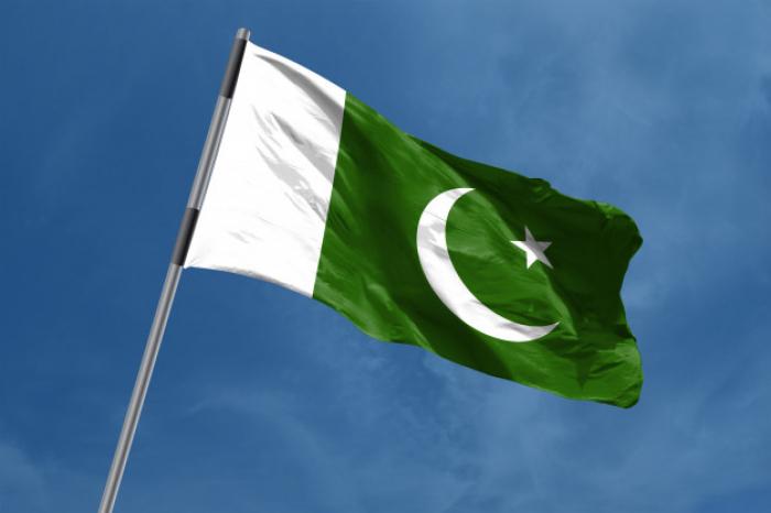 Pakistán:   Hombres armados desalojan varios autobuses y matan a 14 pasajeros