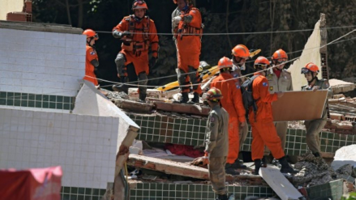 Death toll from Rio building collapse rises to 24