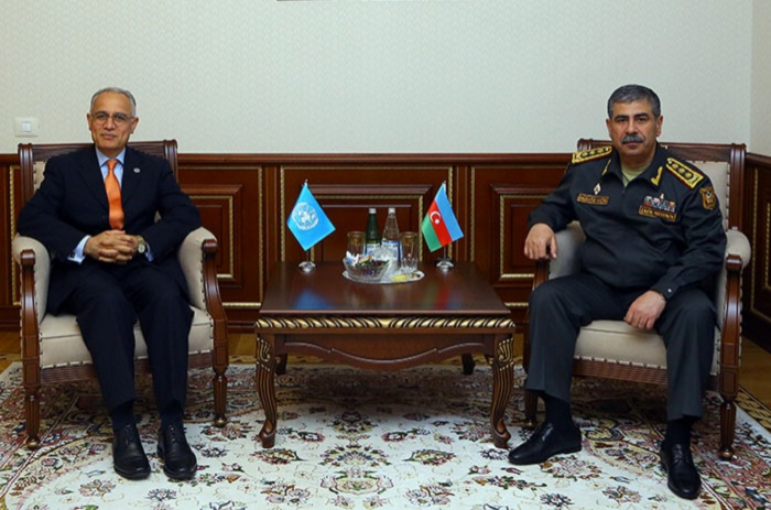 Defense Minister meets with UN Resident Coordinator in Azerbaijan