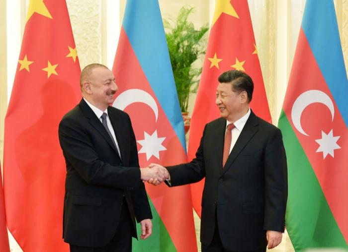 """Líder chino  :""""Apoyamos la integridad territorial de Azerbaiyán"""""""