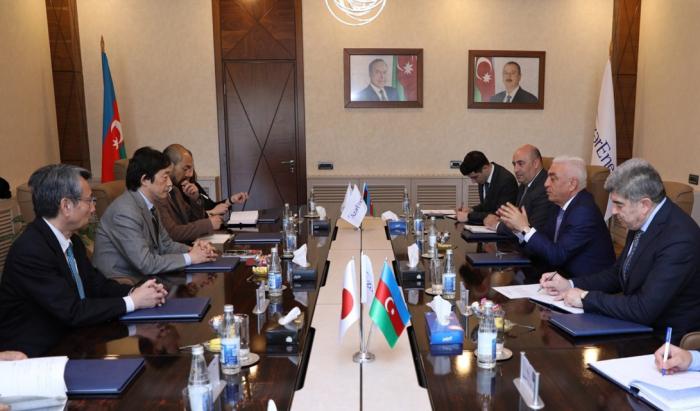 El presidente de Azerenerji se reúne con el embajador japonés