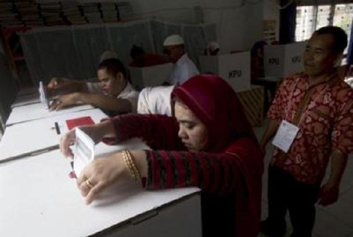 İndoneziyada seçkilərdə 272 nəfər ölüb
