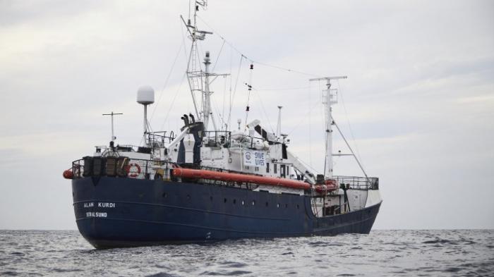 "Crew des Rettungsschiffs ""Alan Kurdi"" darf nicht an Land"