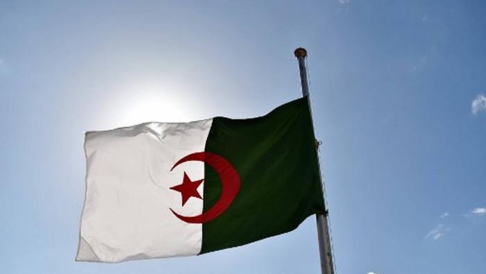 Algérie:  13 blessés  dans une manifestation pour un meilleur accès à l