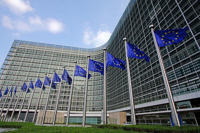 Irlande du Nord:   la Commission européenne «condamne» la «violence»