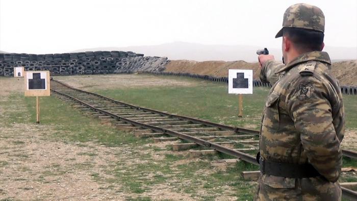 Kursantlar atış çalışmalarını yerinə yetirir - VİDEO