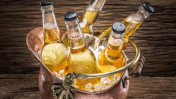 Die besten Tipps: So kühlen Sie Bier richtig schnell