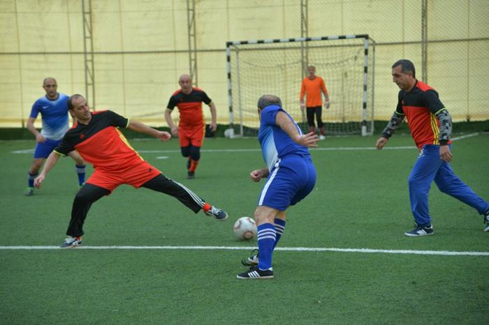 Təhsil işçiləri arasında futbol yarışı