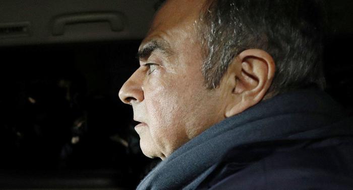 El expresidente de Nissan Motor Carlos Ghosn enfrenta nuevos cargos en su contra