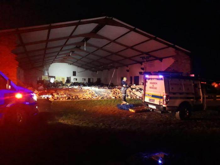 Al menos 13 muertos por el derrumbe de una iglesia en el este de Sudáfrica