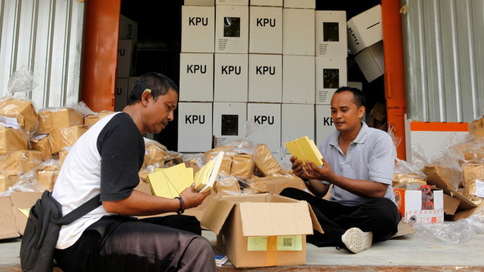 More than 270 died from overwork-related illnesses in Indonesia elections
