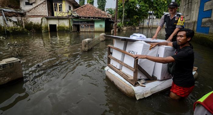 Sube el número de muertos por las inundaciones en Indonesia
