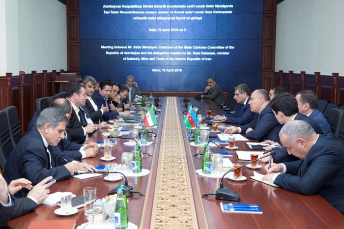 El presidente del Comité se reúne con el ministro iraní