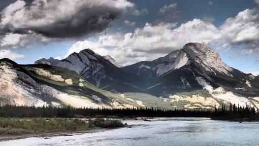 Trois alpinistes de renommée mondiale portés disparus au Canada