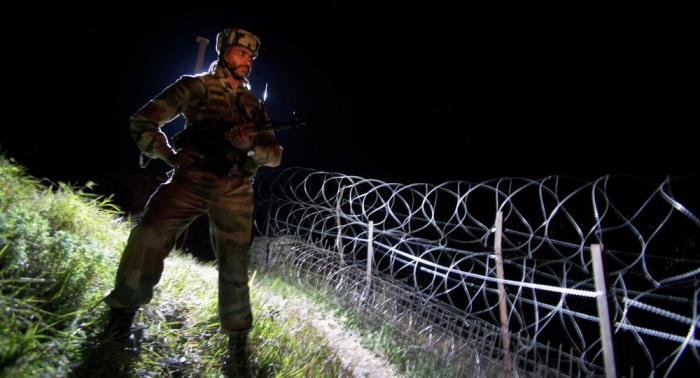 Pakistán informa de militares muertos por disparos de militares indios en Cachemira