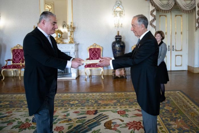 Embajador de Azerbaiyán en Portugal presenta sus credenciales al Presidente de Portugal