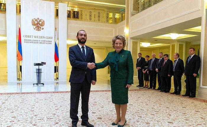 Putin Paşinyanla Qazaxıstanda görüşəcək