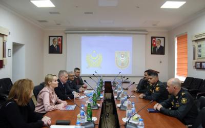 الممولين العسكريين لأذربيجانيلتقي مع الممولين العسكريين لروسيا