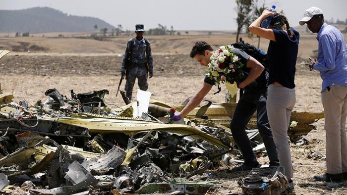 """Etiopía confirma que los pilotos del avión siniestrado """"no pudieron controlarlo"""" aunque siguieron el protocolo de emergencia de Boeing"""