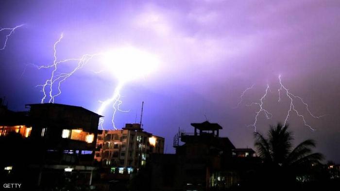 عاصفة رعدية تقتل العشرات في الهند