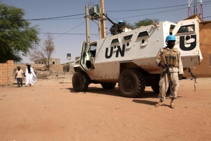Mali: un Casque bleu tué et quatre blessés par l