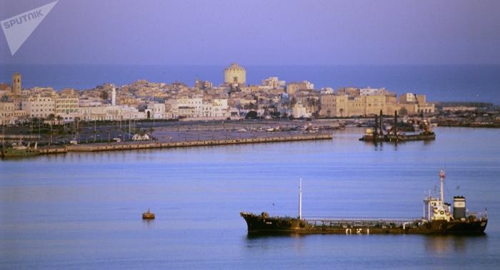 Le Drian y Pompeo examinan por teléfono la situación en Trípoli