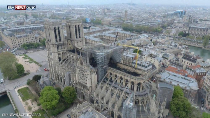 لقطات جوية تظهر الدمار الهائل في كاتدرائية نوتردام