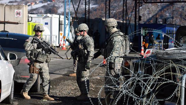Tensions au Kosovo: 2 employés de l