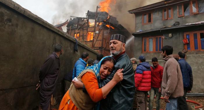 مأساة في الهند... حريق يقتل 19 طالبا داخل مركز تعليمي (فيديو)