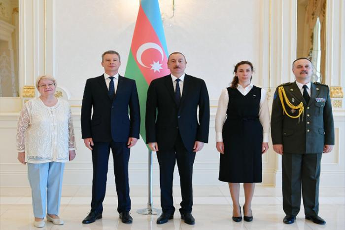 Ilham Aliyev a reçu les lettres de créance de l