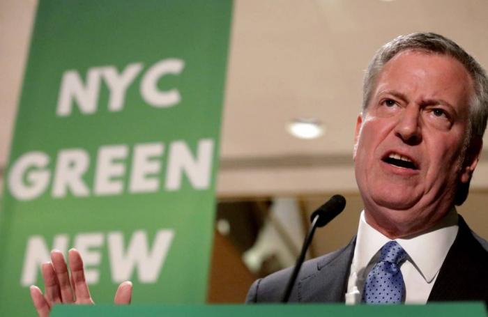 Le maire de New York bataille avec les Trump sur Twitter