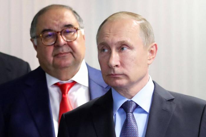 Ukraine: Macron et Merkel demandent à Poutine des «gestes» pour le dialogue