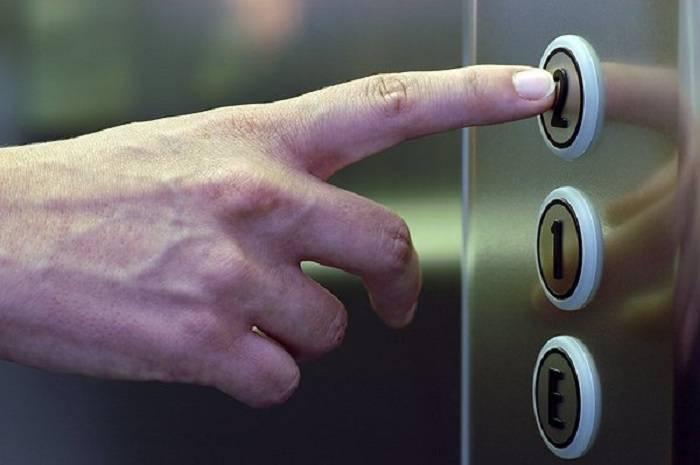 FHN liftdə qalanları xilas etdi