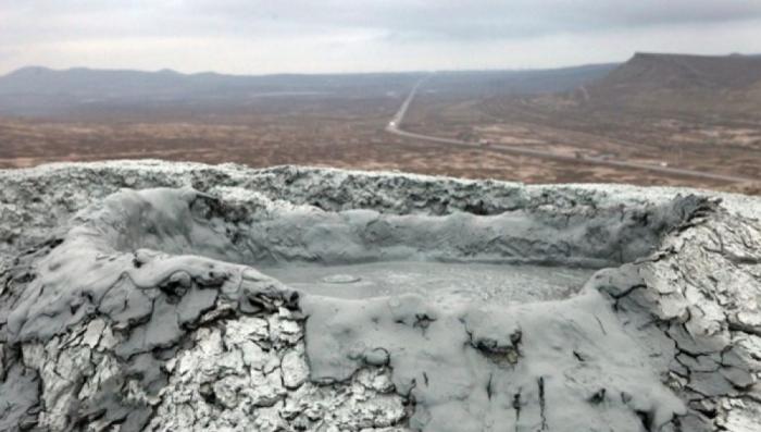 ETSN əməkdaşları vulkan püskürən əraziyə getdilər