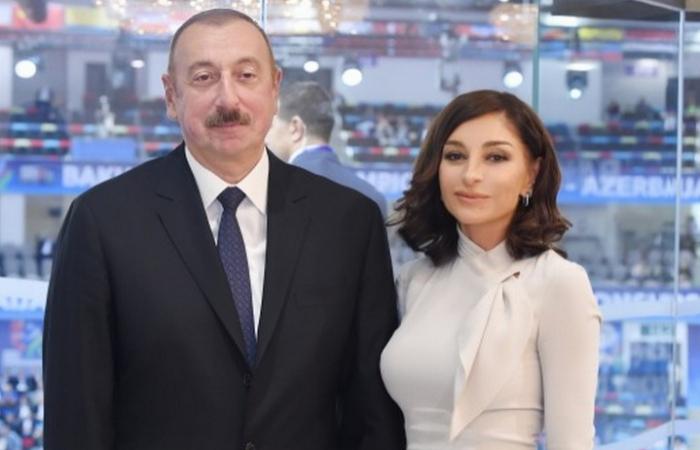Le président Ilham Aliyev et la première dame à l