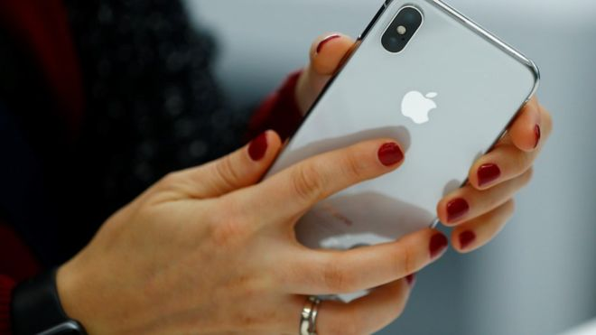 Apple iPhone sales drop at record pace