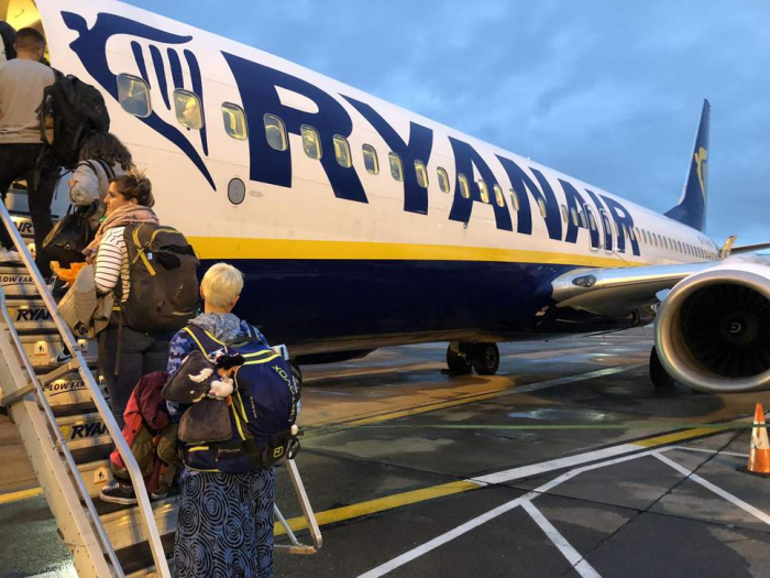 Ryanair flight disrupted by mob of 'unruly' passengers