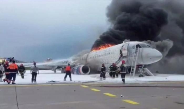 Moskvada yanan təyyarədə 41 nəfər ölüb